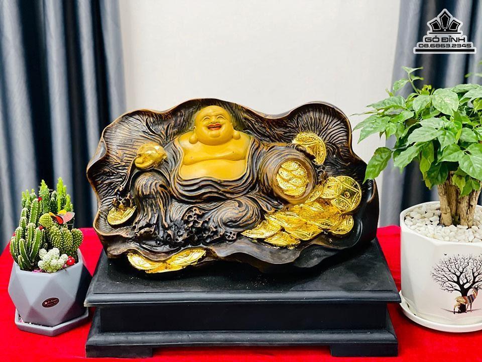 Tượng Phật Di Lặc Ngồi Lá Sen Gỗ Bách Xanh