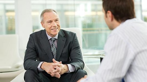 Nói chuyện với cấp dưới: Khuyến khích nhân viên - Công ty dịch thuật Dịch Số