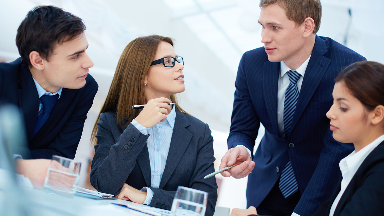 Tìm hiểu kỹ năng quan sát trong giao tiếp & cách rèn luyện kỹ năng đó