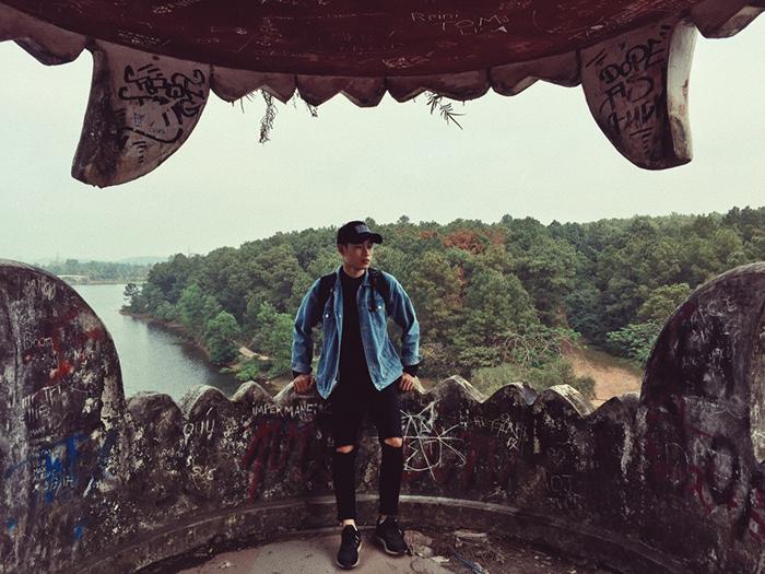 Ngỡ ngàng trước vẻ đẹp đầy ma mị của công viên nước hồ Thủy Tiên bị bỏ  hoang ở Huế