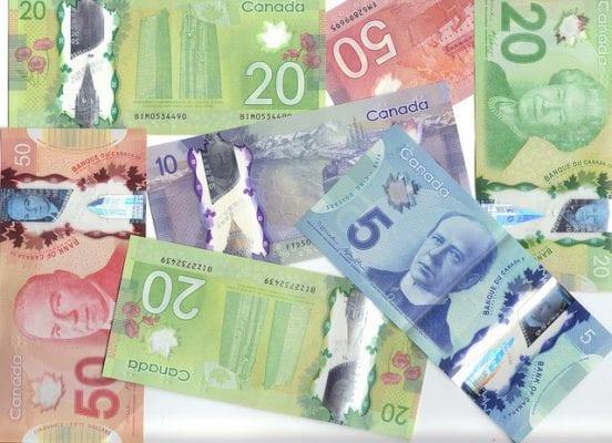 Ở Canada dùng tiền gì và cách thanh toán nào thông dụng?